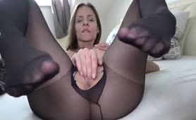 Mary Wet in Nylons Beim Dirty Talk Porno